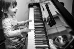 Cute piano player-3